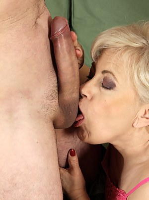 Moms Ball Licking Porn Pictures