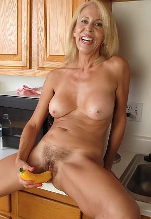 Moms Sex Toys Porn Pictures