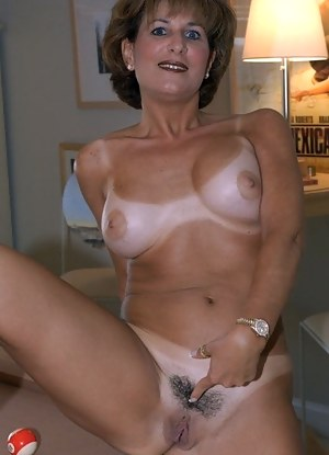 Tanned Moms Porn Pictures
